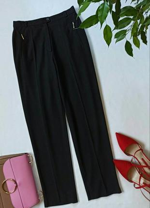 Черные зауженые брюки с завышеной талией
