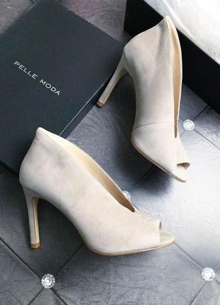 Pelle moda оригинал серо-бежевые замшевые туфли на шпильке