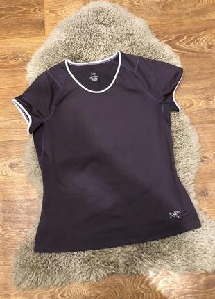 Спортивная шикарная футболка arc'teryx