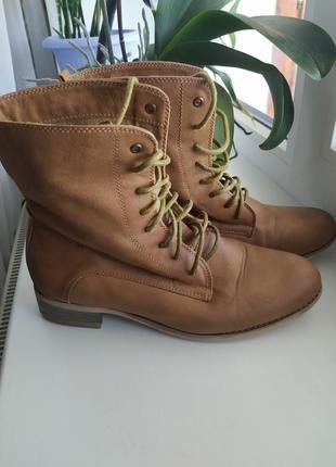 Женские ботинки шнуровка 39 р