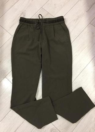Роскошные брюки цвета хаки от zara