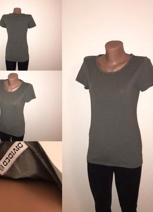 Базовая хаки футболка divides by h&m. нюанс