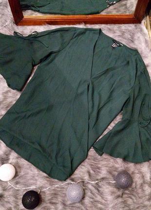 Свободная блуза на запах с объемными рукавами new look