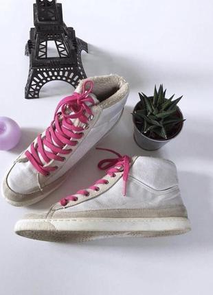 Стильные итальянские утепленные высокие кеды на шнурках