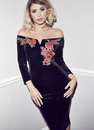 Чёрная бархатное платье с розами