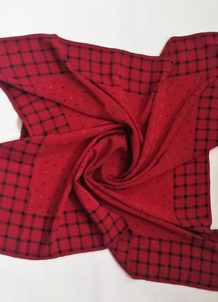 Шикарный шелковый платок  givenchy  оригинал