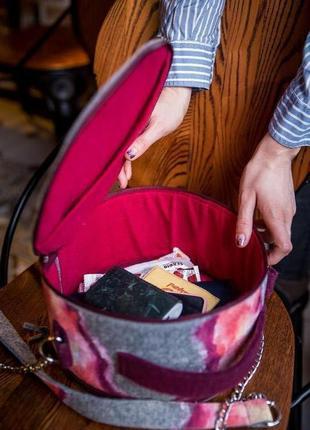Круглая сумка ручной работы с росписью