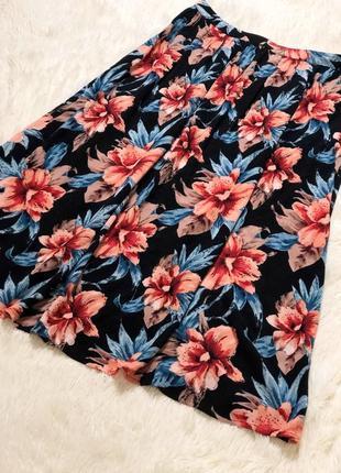 Чёрная юбка миди в цветочный принт new look вискоза