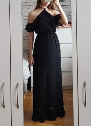 Стильное платье h&m с открытыми плечиками