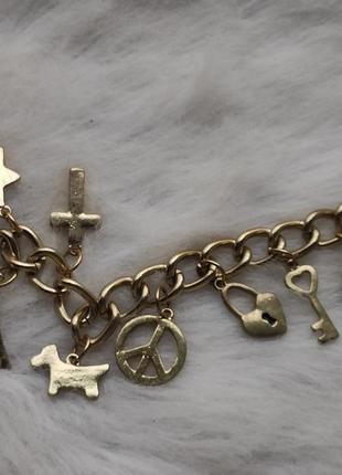 Золотой толстый широкий обьемный браслет с подвесками разными висюльками бижутерия