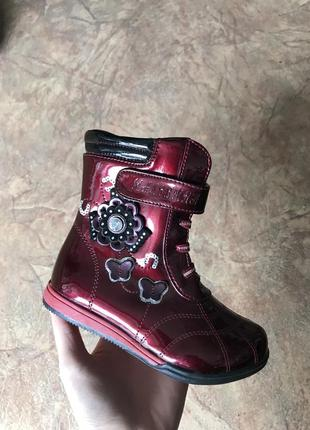 Красные лаковые ботинки, сапоги демисезонные