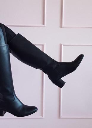 Черные женские кожаные итальянские сапоги трубы voltan кожа бренд 39 39,5 на каблуке