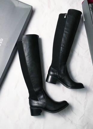 Vince camuto оригинал кожаные сапоги на невысоком каблуке