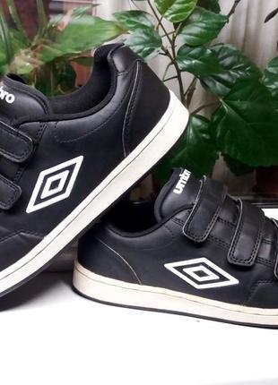 """Супер-легкие стильные кроссовки """" umbro """". англия.43 р"""