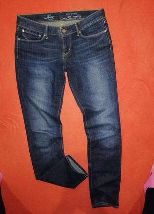 Брендовые женские джинсы levi's 28 в прекрасном состоянии