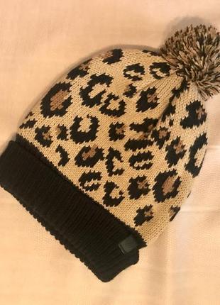 Новая тёплая шапка в леопардовый принт от cropptown