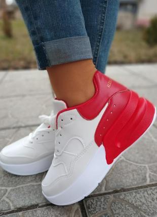 Качественные кроссовки!