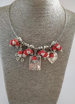 """Ожерелье ручной работы """"красные ягоды"""" и серьги в подарок"""