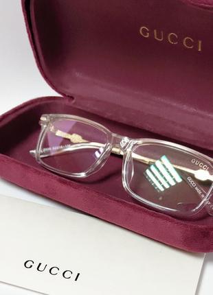 Имиджевые очки в прозрачной оправе с защитой от ультрафиолета