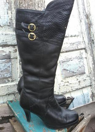 Теплые зимние сапоги на каблуке для леди)