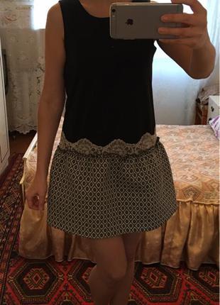 Модное платье с жаккардовой юбкой известного бренда rinascimento