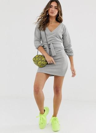 Prettylittlething стильна сіра сукня на щодень