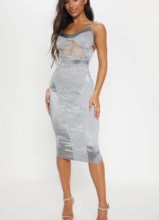 Prettylittlething срібна сукня-комбінація з мереживом