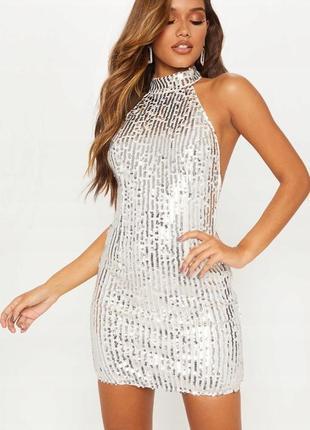 Prettylittlething срібна сукня в паєтках