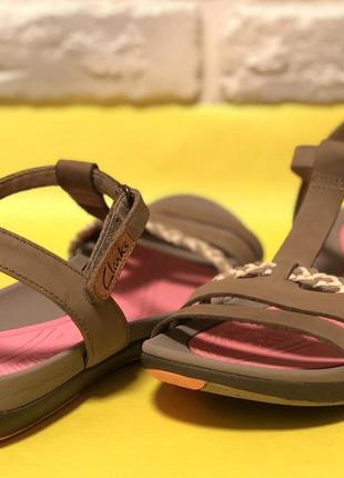 Босоножки,сандали clarks1 фото