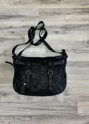 Крутая сумочка из натуральной кожи