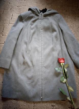 Cупер пальто с капюшоном 64 размера от бренда yessica