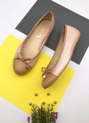 Кожаные туфли балетки от gabor