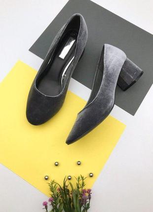 Бархатные туфли на толстом каблуке atmosphere