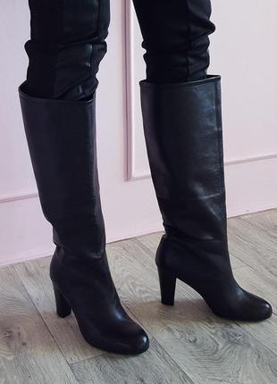 Черные кожаные женские сапоги трубы кожа ботфорты penny black на каблуке 39 max mara