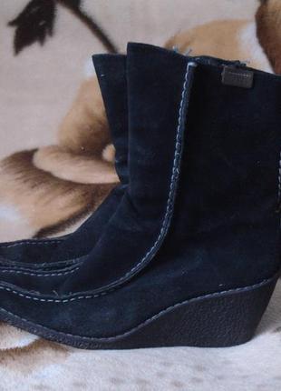 37-37,5 р. демисезонные замшевые ботиночки