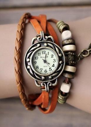 Жіночий годинник в стилі ретро