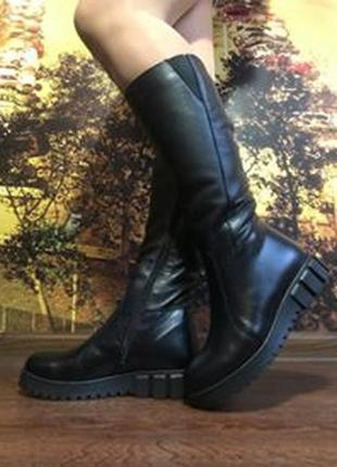 Кожаные женские зимние черные сапоги низкий каблук натуральная кожа