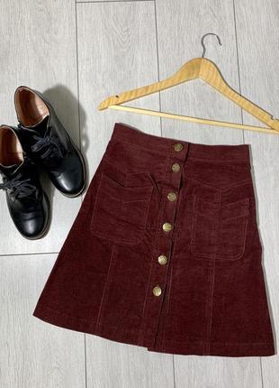 Вельветовая юбка с завышенной посадкой