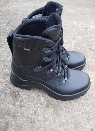 Треккинговые, военные ботинки haix (38,5 размер)