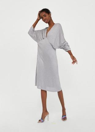 Эффектное платье zara зара, с v вырезом, размер с