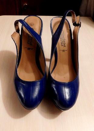 Туфли с открытой пяткой gorgeous