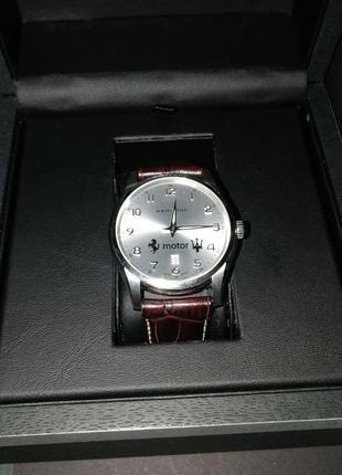 Hamilton часы