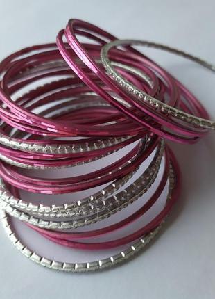 Браслеты кольца розовый серебро металлические яркие стильные лето