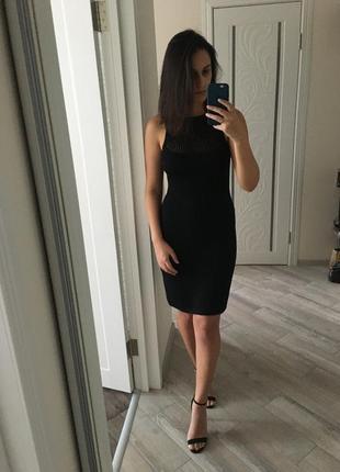 Базовое вязанное платье футляр