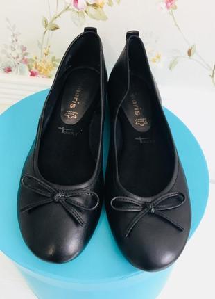 Кожаные туфли балетки tamaris