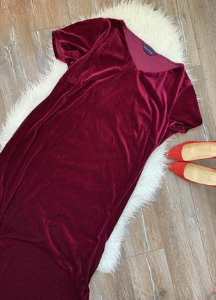 Шикарное бархатное платье свободного кроя