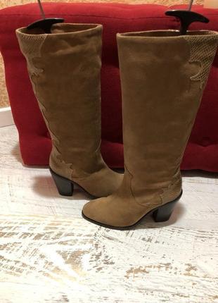 Високі чоботи із натуральної замші,від andre