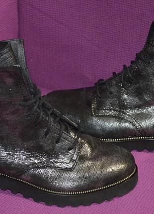 Демисезонные сапоги , ботинки