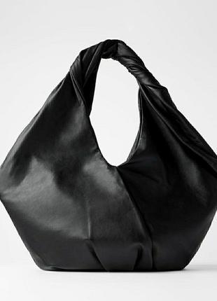 Сумка-шопер zara овальной формы из мягкой кожи черного цвета