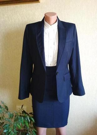 Стильный шерстяной брендовый костюм,р.36-38